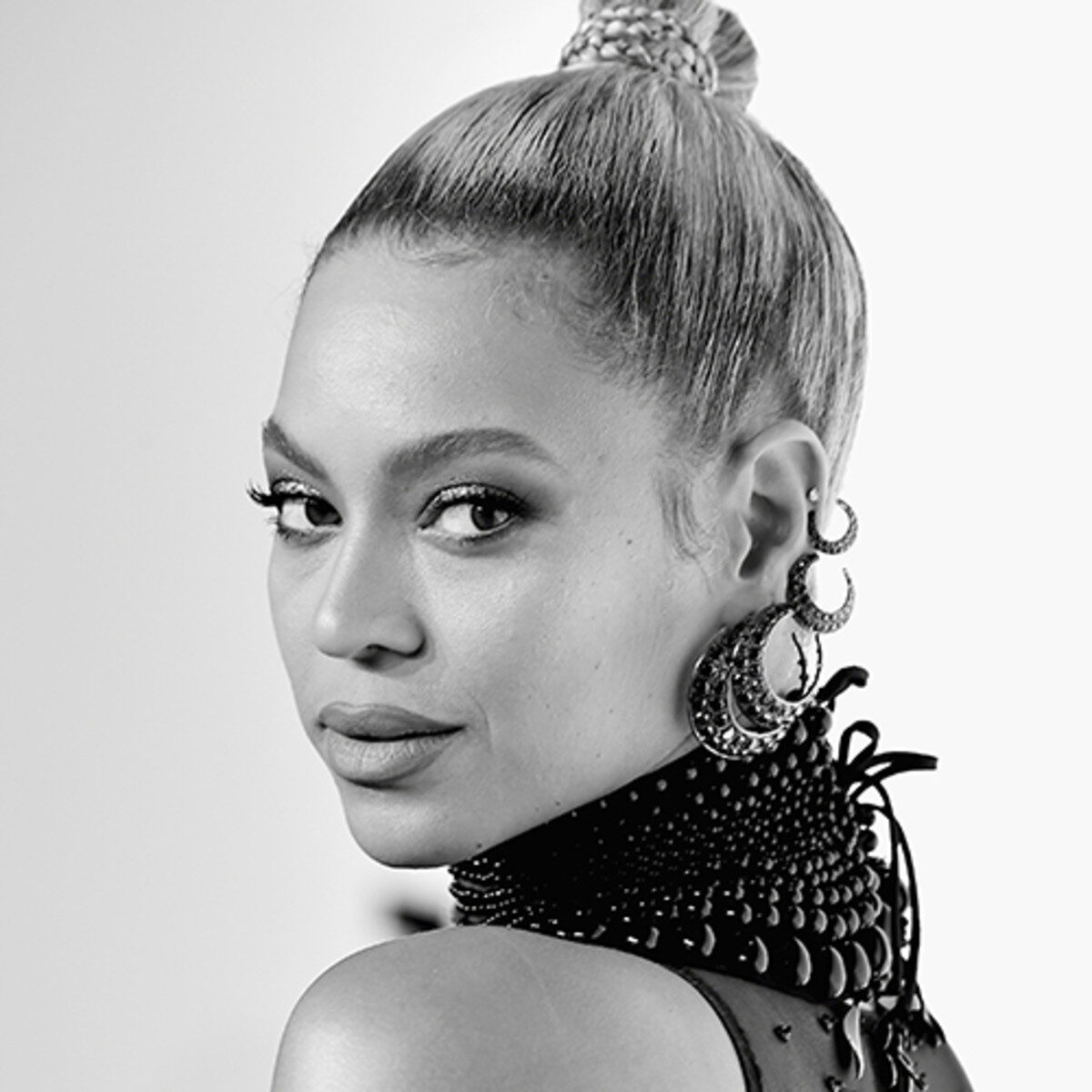 beyonce-attends-tidal-x-1015-on-october-15-2016-in-new-york-city-photo-by-theo-wargogetty-images-for-tidal-sqaure